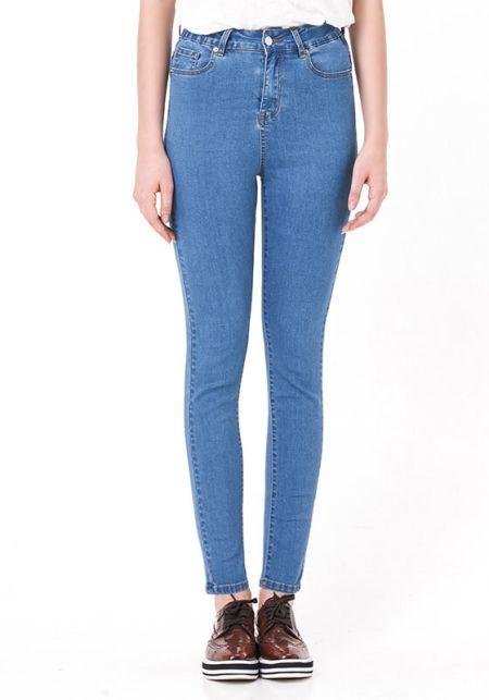 Вузькі жіночі джинси з високою посадкою
